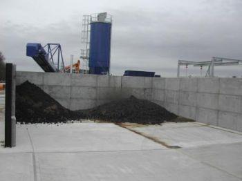 Prestressed concrete wall units