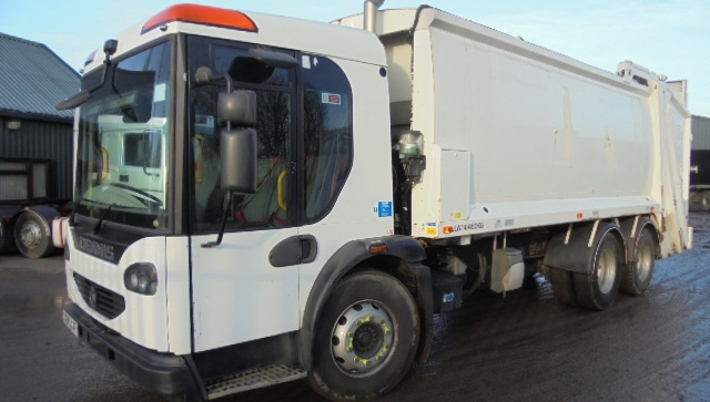 FOR SALE: 2009 YEAR 6X4 DENNIS REFUSE VEHICLE WITH PHOENIX 2 BODY AND TERBERG LIFT