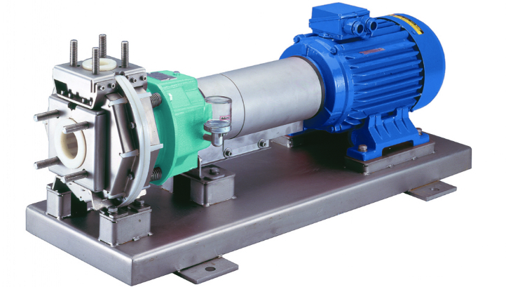 100% CHEMICALLY RESISTANT AND TWO DRIVE VERSIONS AVAILABLE, DISCOVER THE FRONTIERA PUMP
