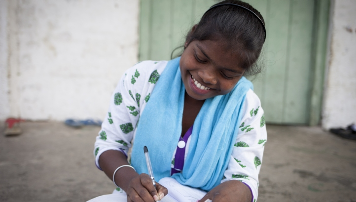 Young women make up the majority of tea estate workers, but face challenges such as forced marriage and poor access to education and reproductive healthcare. Image: Abbie Trayler-Smith/Panos/Ethical Tea Partnership