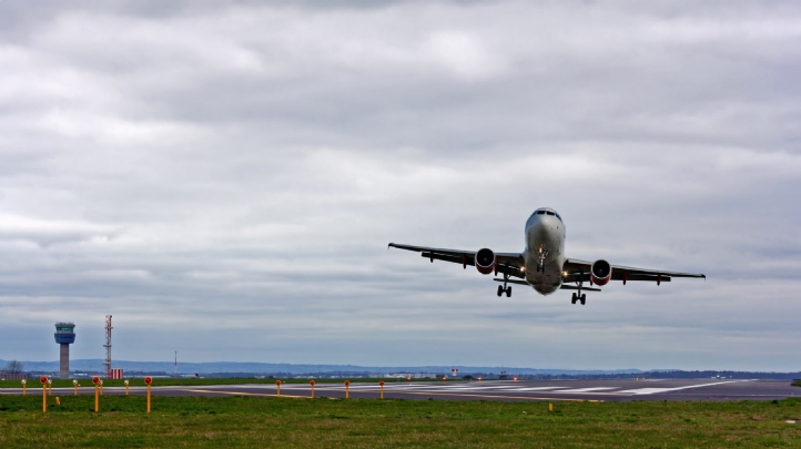 The UK's exclusion of international aviation and shipping figures from carbon budgets has been criticised by Transport & Environment and Greta Thunberg