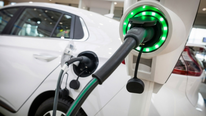 The report concludes that getting the same amount of mobility from gasoline as from new renewables in tandem with EVs over the next 25 years would cost 6.2 to seven times more