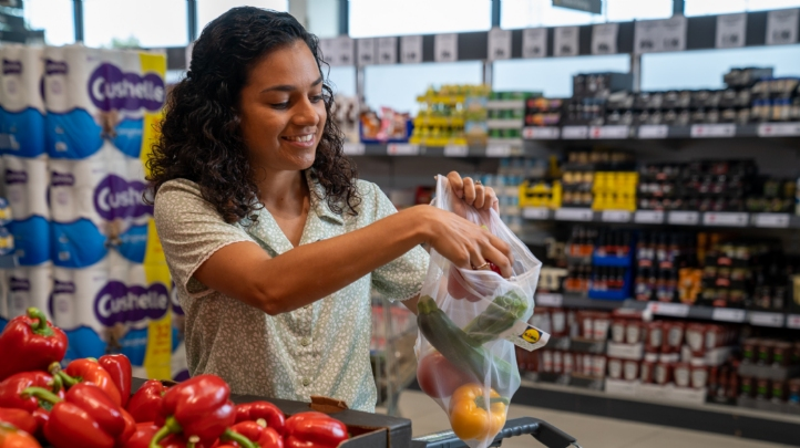 "Lidl has described its ""Green Bags"" as an ""affordable, reusable alternative"" to single-use small fruit and vegetable bags. Image: Lidl UK"