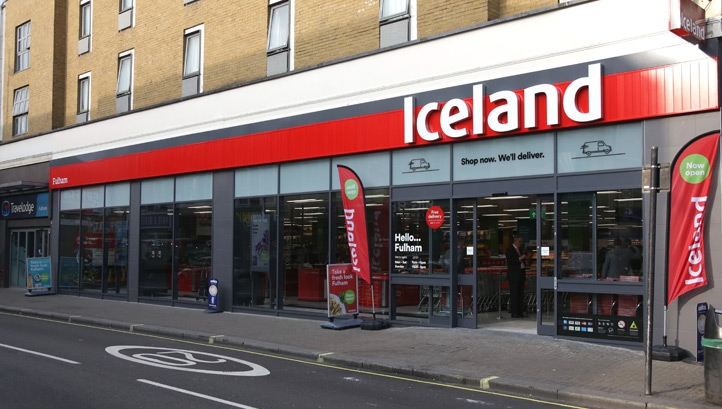 Iceland is launching a national rollout of a successful trial that gave store colleagues the option to take surplus food home from stores at the end of the day. Image: Iceland/Webershandwick
