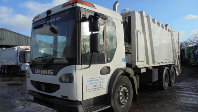 FOR SALE: 2009 YEAR 6X4 DENNIS REFUSE VEHICLE WITH 70/30 SPLIT TWIN PACK BODY