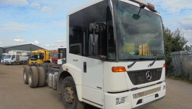 2009 YEAR EURO 5 MERCEDES ECONIC 6X4 CHASSIS CAB