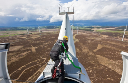 The UK achieved record levels of installations for onshore wind capacity in 2017 - but key industry players believe that current national policies could stifle this growth going forward