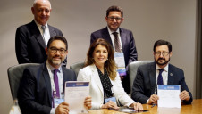 (From left, back row) Emilio Gabbrielli, IDA past president; Rachid Ghamraoui, IDA first vice president; Gianni Chianetta, director of GreeningTheIslands.net; Shannon McCarthy, IDA secretary general; and Miguel Angel Sanz, IDA president