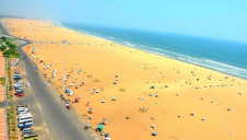 The beach at Chennai, in the Bay of Bengal, nearby the site of the new desalination plant at Nemmeli