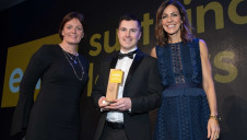 Rachel Woolliscroft, board member, ICRS (left)and compere Julia Bradbury present Steve Burgess with the award