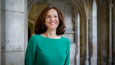 Theresa Villiers appears to be an advocate for climate action, strong environmental policies and low-carbon initiatives. Photo: Nikki Powell [CC BY-SA 4.0 (https://creativecommons.org/licenses/by-sa/4.0)]