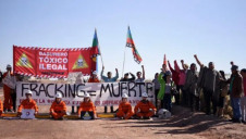 Blockade of a fracking waste dump in Neuquen province, Argentina. Image: Mapuche Confederation of Neuquen