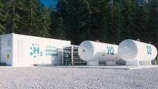 "The latest draft text, obtained by EURACTIV, ""significantly weakens the priority given to renewable hydrogen,"""