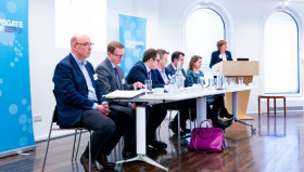 A discussion between (L:R) John Lewis Partnerships' Justin Laney; Johnson Matthey's Andy Walker; Michelin Tyre's Alexander Law; Ramboll's Chris Fry; Siemens's Justin Moss and Tesco's Christina Downend is chaired by Aldersgate Group chair Joan Walley. Image: racoon photography